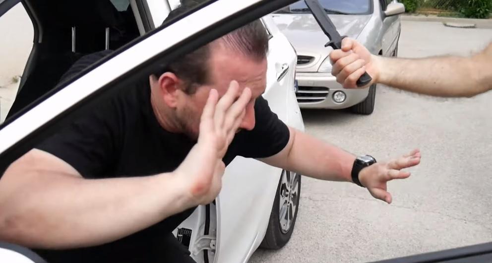 attaque au couteau dans le cadre d'un car jacking
